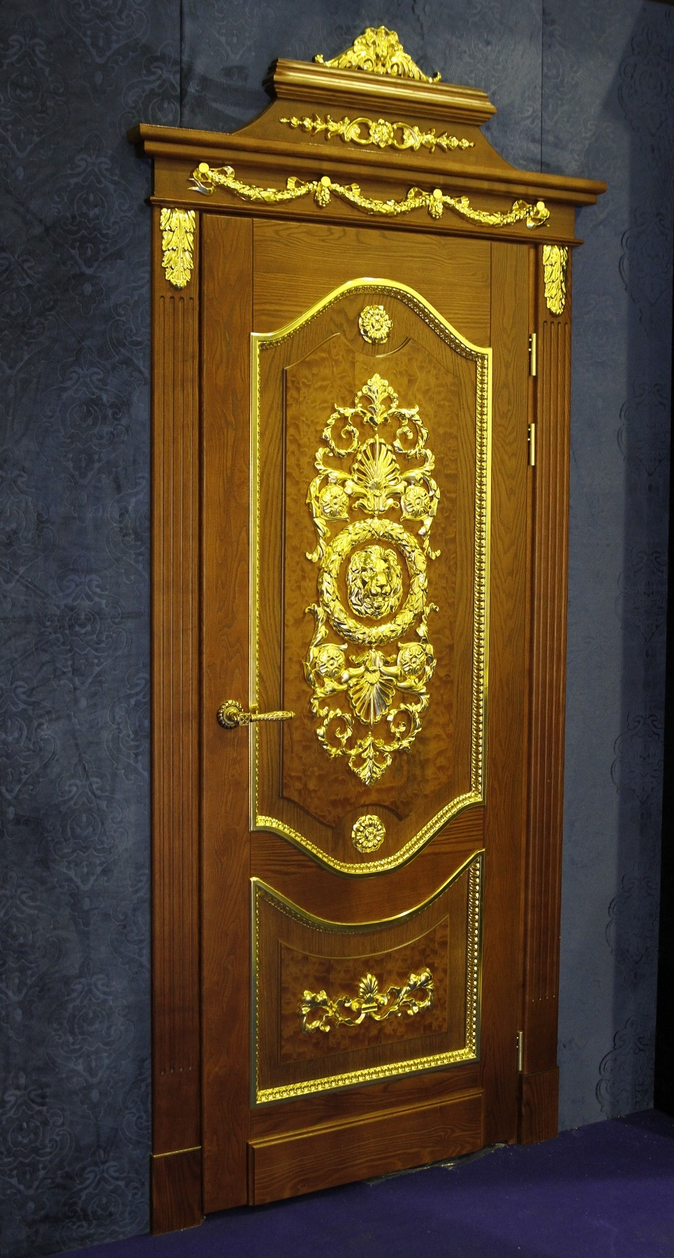 Элитные деревянные двери из массива дуба ASTRODOORS
