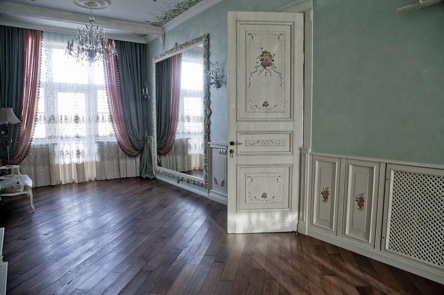 Двери из массива, салон дверей в Симферополе: адрес