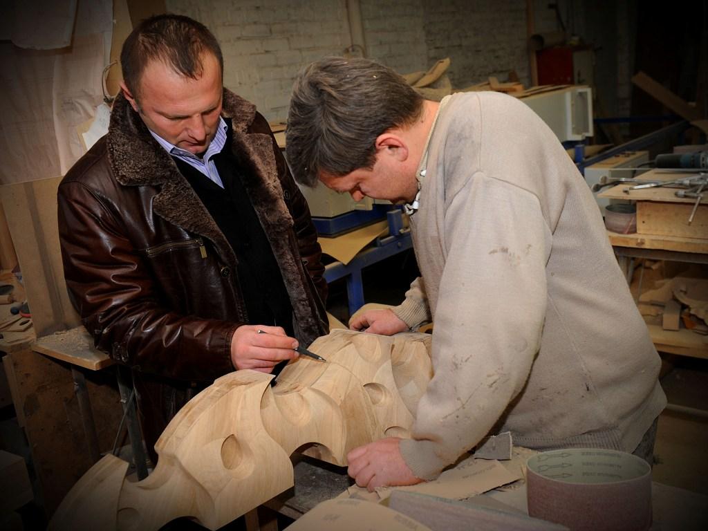 Картинки по запросу изготовление деревянной мебели на заказ